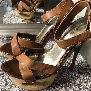 Cognac Bebe heels